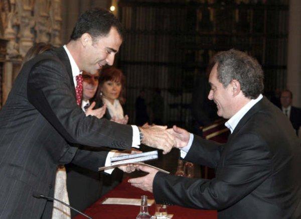 Ferran Adriá recibiendo la Medalla de Oro de las Bellas Artes - LNE