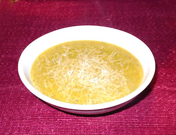 Crema de calabacín con el queso parmesano