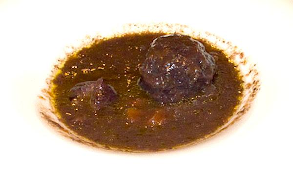 Ragout de jabalí con vino y chocolate