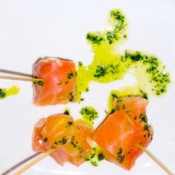 Pinchos de melón con salmón