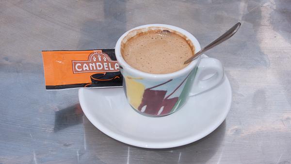 Taza de café cortado