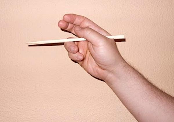 Aprender a comer con palillos I