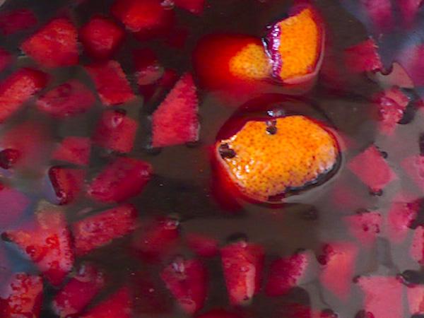 Macerando la fruta de la sangría