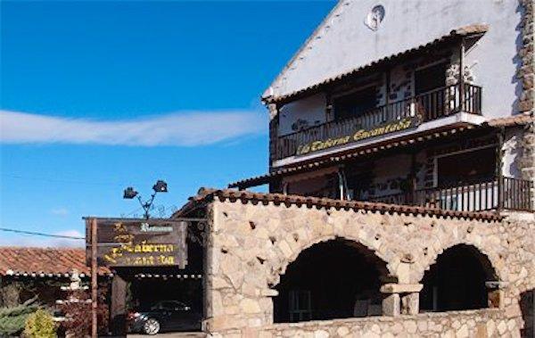 Exterior del restaurante La Taberna Encantada