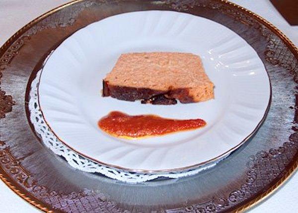 Paté de gambas con salsa de tomate