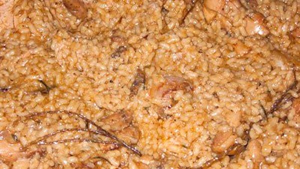 Caldero de arroz con conejo, codornices y foie-gras de pato