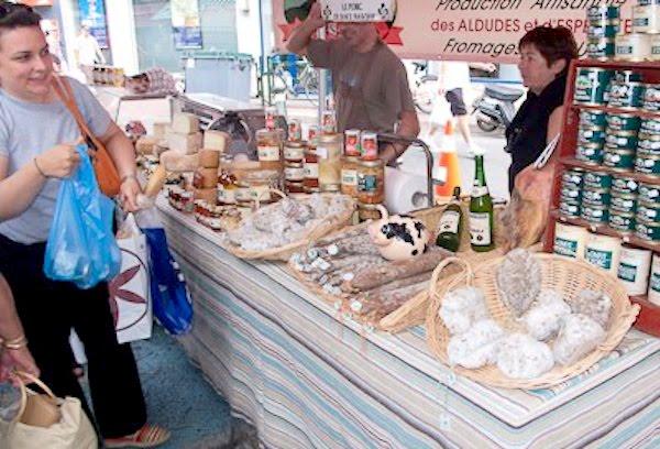 Exterior del Mercado en San Juan de Luz