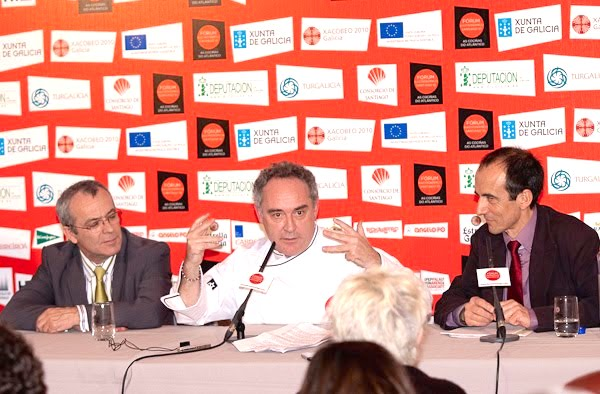 Ferran Adrià en la rueda de prensa del Fórum Santiago 2010