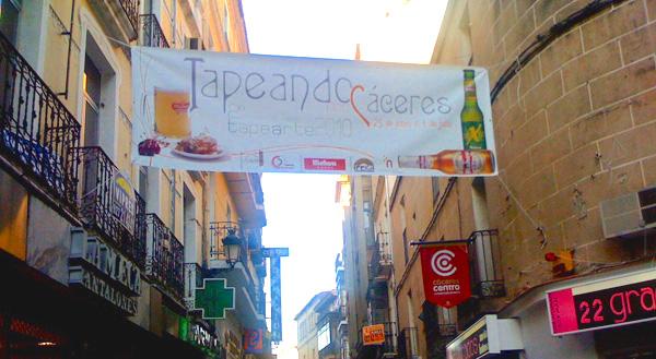 """Cartel """"Tapeando por Cáceres"""""""