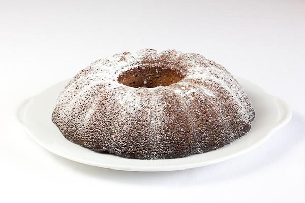 Delicia de chocolate espolvoreada con azúcar glas