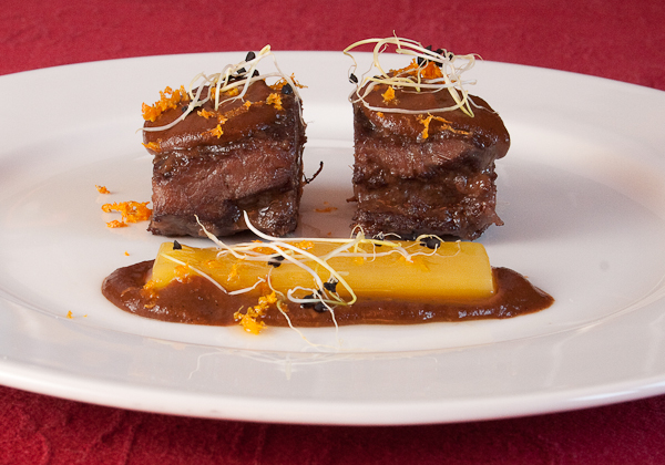 carrilleras con chocolate y naranja