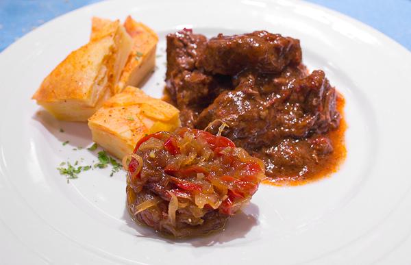 Gulash húngaro, típico de la cocina judía