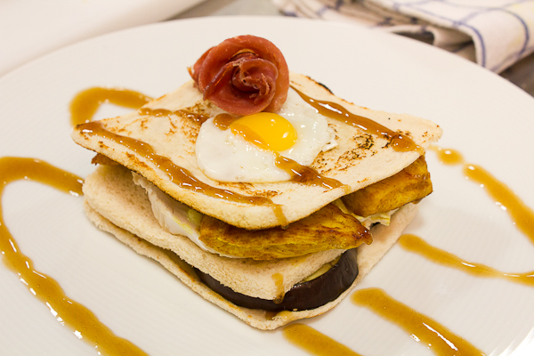 Milhoja de berenjena y pollo al curry - Mar de Vamos a CociMar