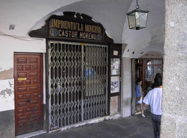 Fachada de la histórica imprenta La Minerva (año 2002)
