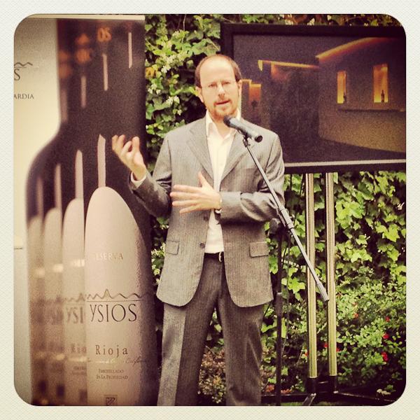 Luis Zuraide en la presentación de Bodegas Ysios