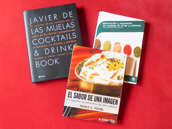 Libros de técnicas de coctelería, fotografía, cocina